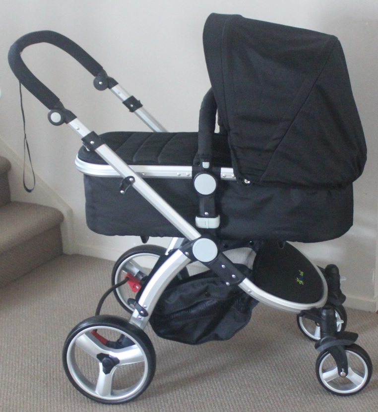 Travel System: Pram+ Carry Cot+ Rain Cover